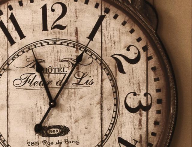 s_Clock%20fleur%20de%20lis[1]