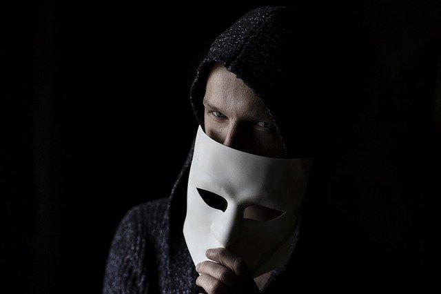 詐欺師、だまされる、悪徳
